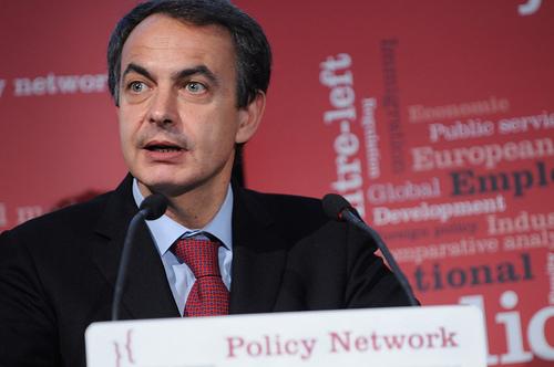 Zapatero se muestra indeciso con las nucleares